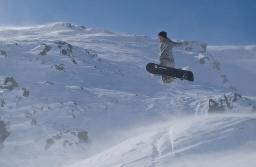Snowboarding in Stafdalur ski area in Fjarðarheiði - Nicolas Grabar